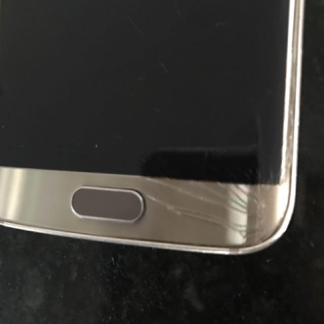 Samsung S6 Edge cracked