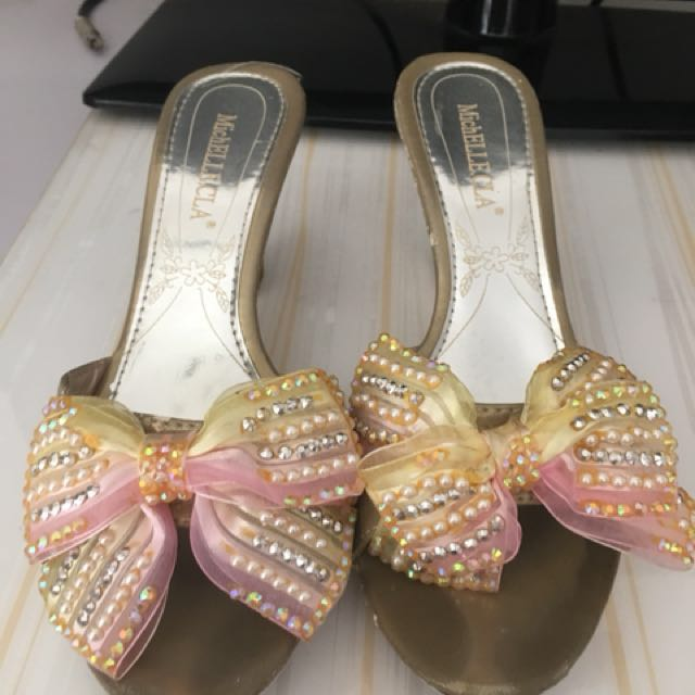 Sandal pesta pita gold (lower price)