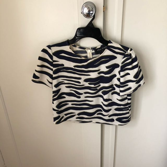 The Fifth Label Navy Blue And White Top Size Small