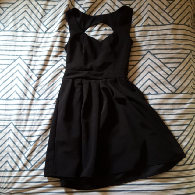 Valleygirl black skater dress w sweetheart neckline