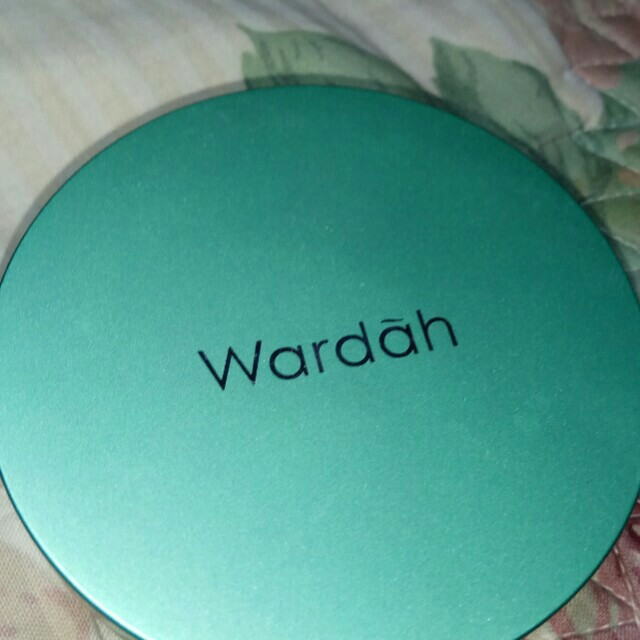 [Re-price] Wardah exclusive two way cake 01 light beige