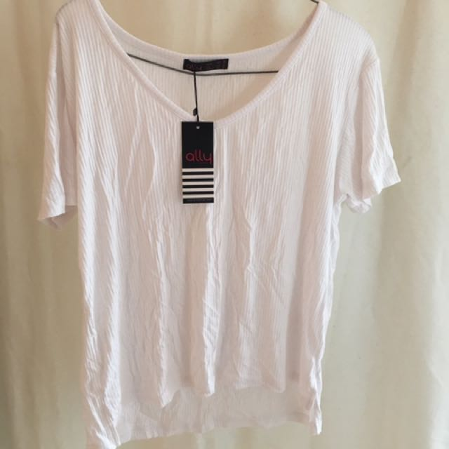 White Ally ribbed top BNWT
