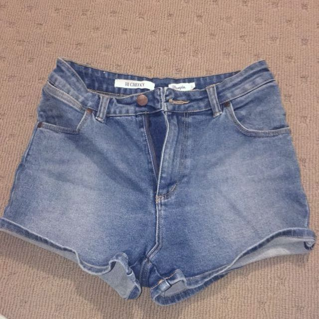 Wrangler highwaisted shorts