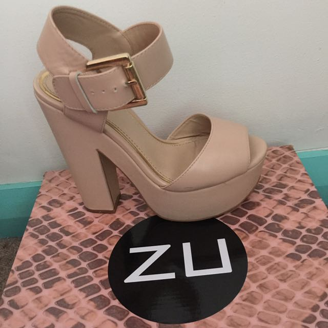 ZU open toe block heels nude