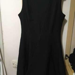 簡約風連身裙(全新)