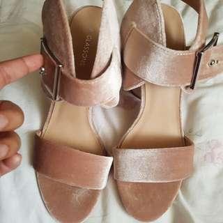 Rose velvet heels