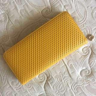 芥末黃珍珠皮夾