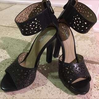 Brand New GEOX High Heels