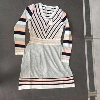 Llunaa V領針織連身裙