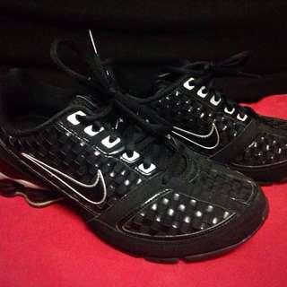Nike Shox 7.5 Repriced!!
