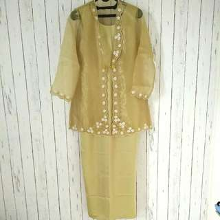 Satu Set Dress + Kebaya Organza Gold