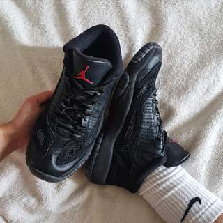 Air Jordan 11 Retro Low Referee