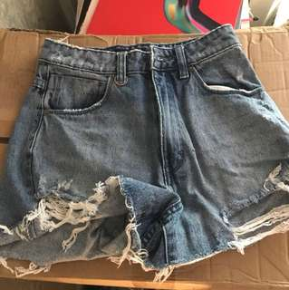 Neuw Size 6/24 Lola Denim Shorts