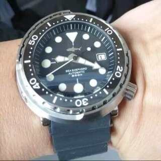 鯊魚罐頭手錶 200米防水 夜光
