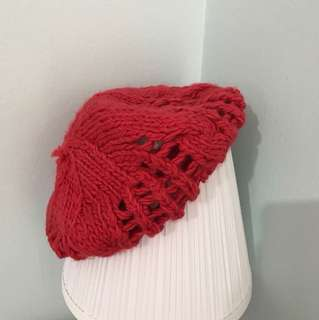VALLEYGIRL red knitted beret
