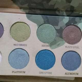 Zoeva mixed metal eyeshadow palette *authentic