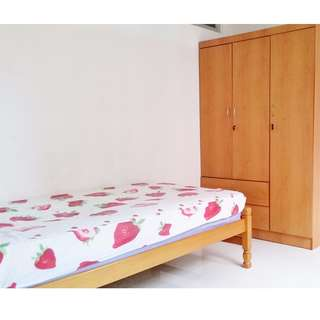 44 Tanglin Halt  (Common Bedroom)  - Near Commonwealth MRT!! With Aircon, With Wifi / Prefers Female Tenants