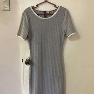 H&M Divided gray with white lining knitted dress