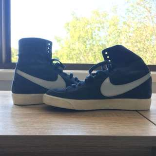 Nike high tops size 5