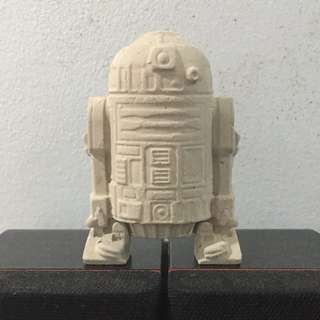 Concrete R2-D2 (Star Wars)