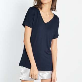 Navy Tee by Pomelo Fashion