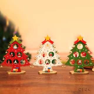🚚 聖誕。木質聖誕樹 迷你手工小吊飾 櫃台 床頭 玄關 擺飾 耶誕節 交換禮物 手工彩繪 小火車擺飾 聖誕禮物。沒有沒人