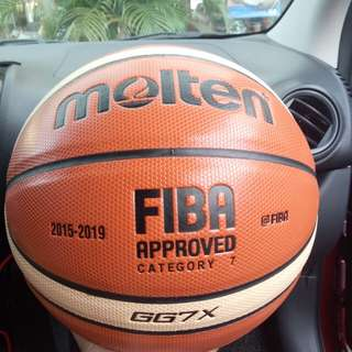 Molten GG7X Mens Indoor Outdoor Basketball ball
