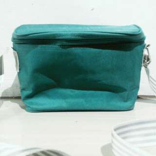 GRAB! Blue green lunch box