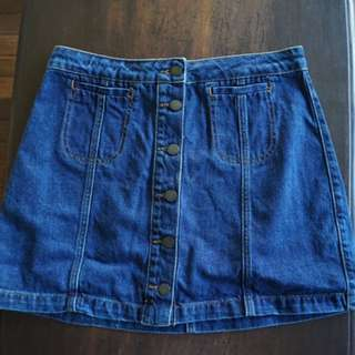 Authentic Topshop denim mini skirt with buttoned front Size Petite EUR 40 US 8 UK 12 (Pre-loved)