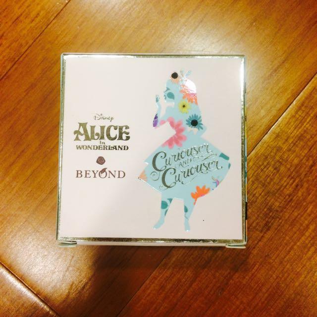 愛麗絲聯名氣墊粉餅
