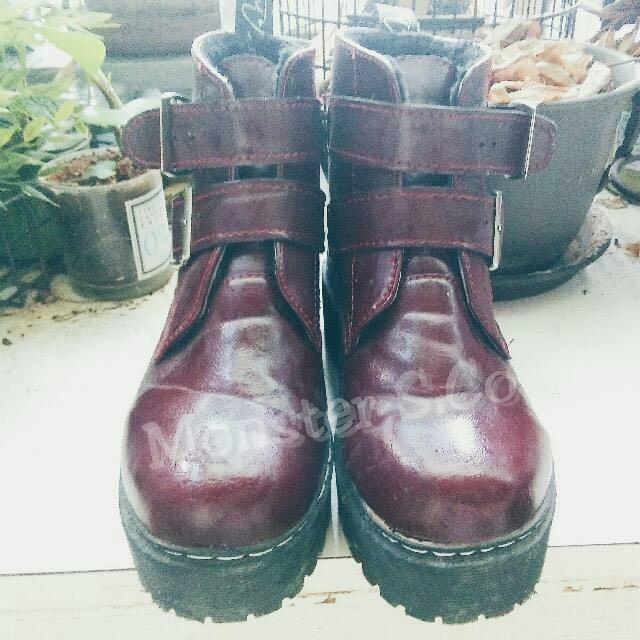 酒紅馬汀款👢厚底短靴