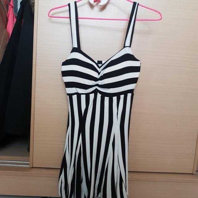 黑白性感洋裝【有胸墊】