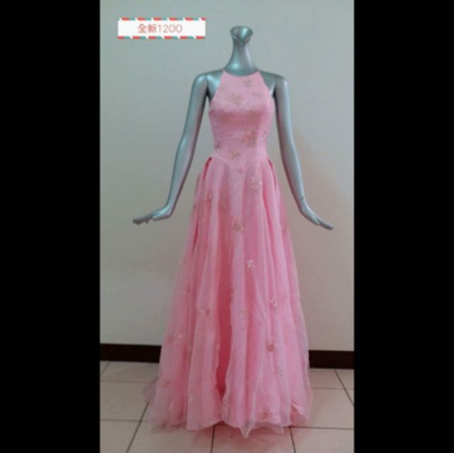 粉紅色禮服