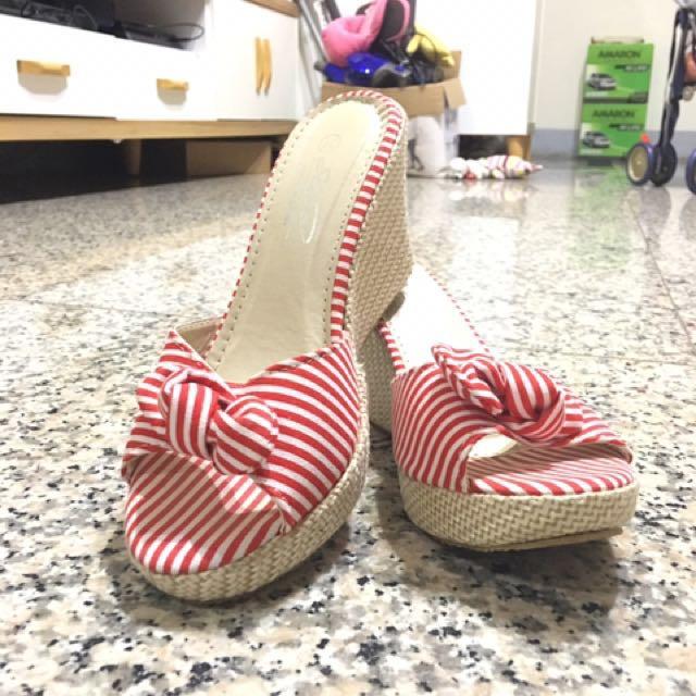 楔形紅條紋高跟鞋