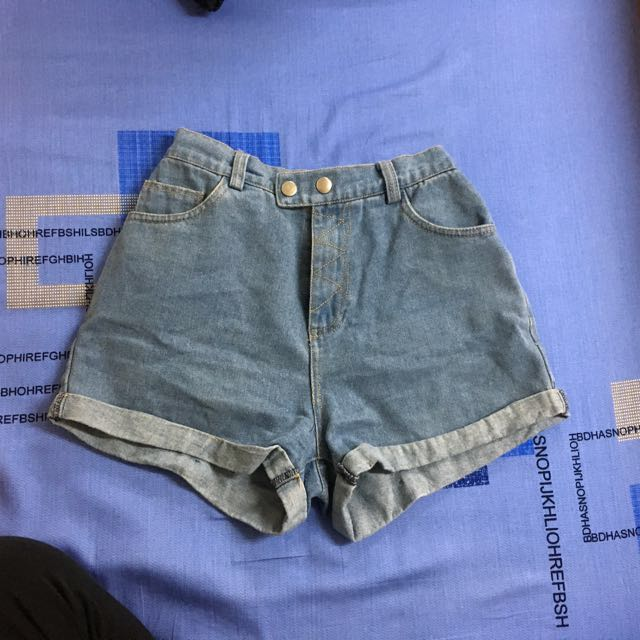 東京著衣 雙釦反折牛仔短褲 中藍色