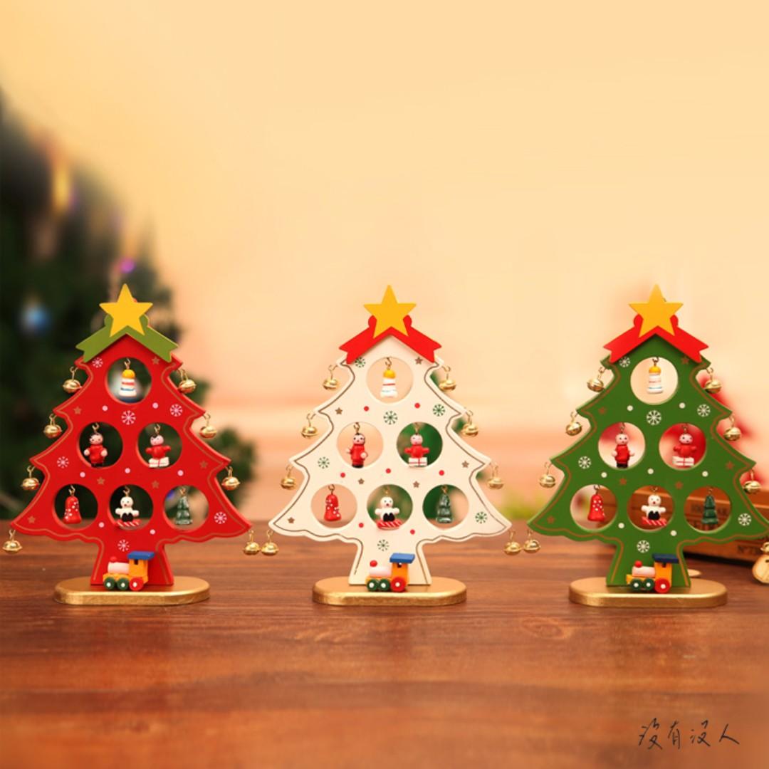 聖誕。木質聖誕樹 迷你手工小吊飾 櫃台 床頭 玄關 擺飾 耶誕節 交換禮物 手工彩繪 小火車擺飾 聖誕禮物。沒有沒人