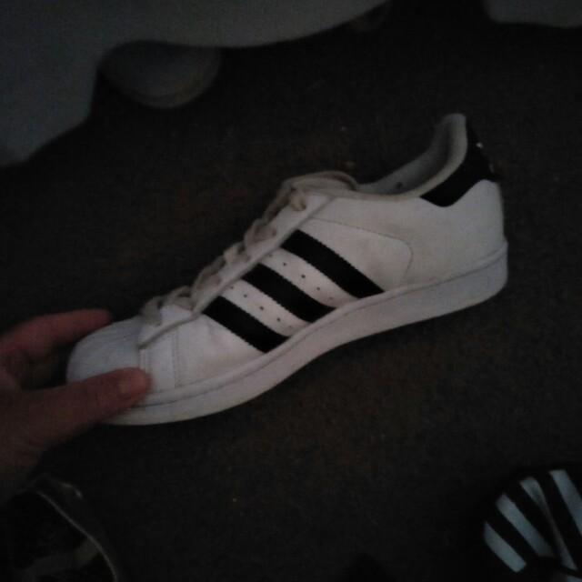 Adidas us5 suoerstars