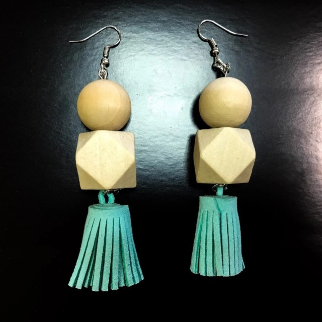 Anting Tassel cantik