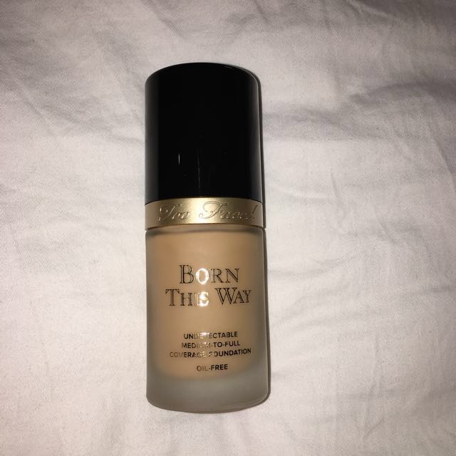 AUTH Born this way Too Faced foubdation