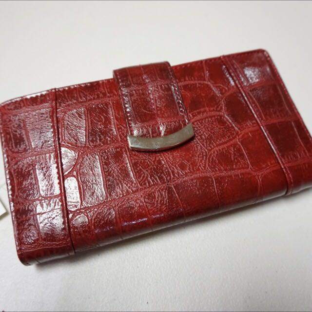 BNWT. Authentic Nine West Long Wallet