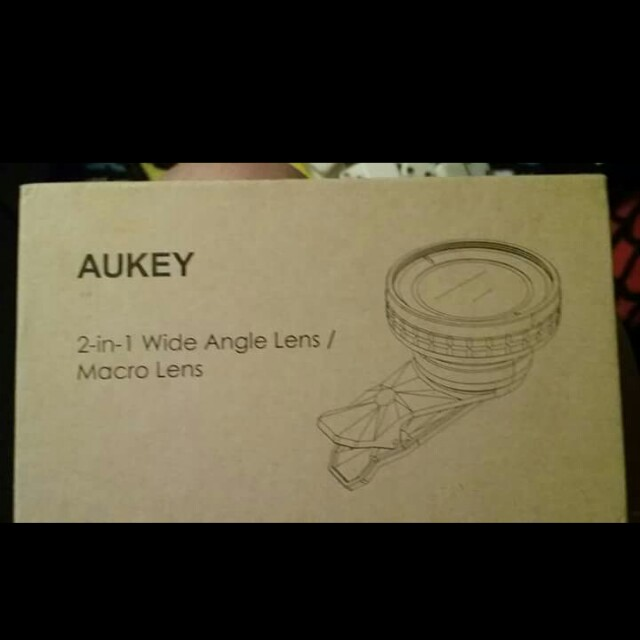 """BRAND NEW """"AUKEY"""" 2-IN-1 WIDE ANGLE LENS/ MACRO LENS!"""