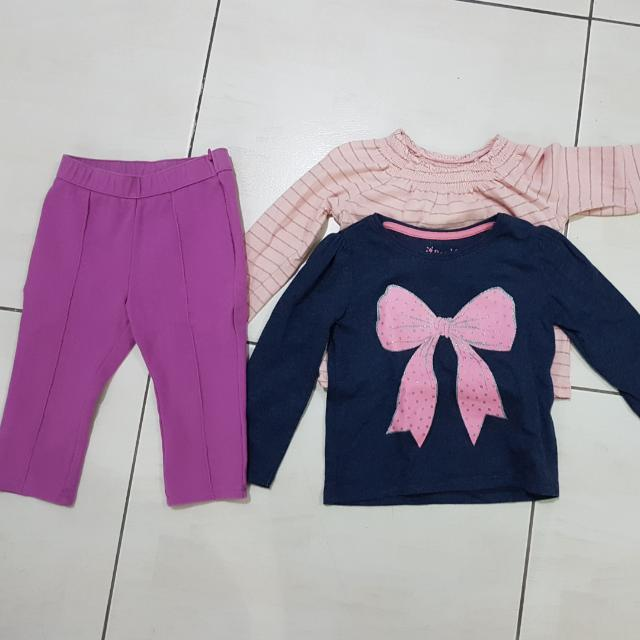 BUNDLE GAP set 18-24 tops and pants fits til 2yo+ no stains. very good condition