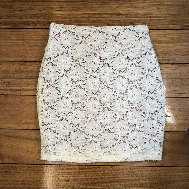 Cotton On White Lace Skirt Size Small