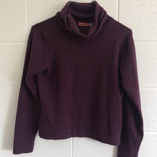 Cozy maroon sweater!
