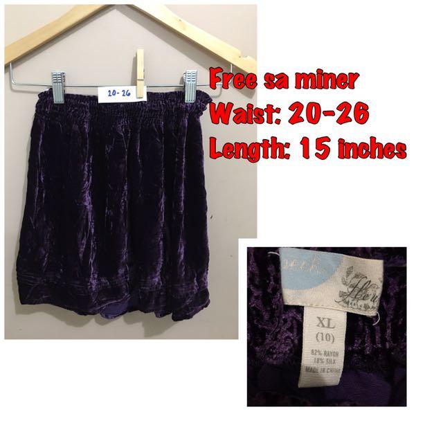 Free skirt when u buy 1