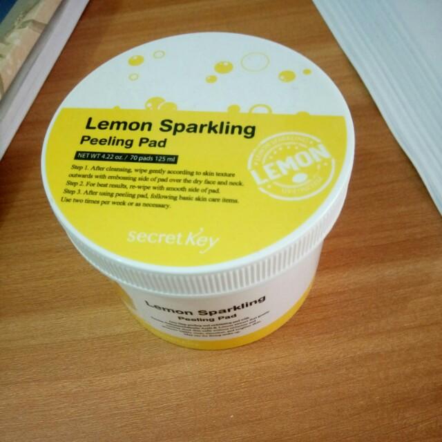 Freeong Secret key lemon sparkling peeling pad