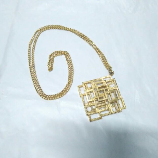 Geometric Long necklace