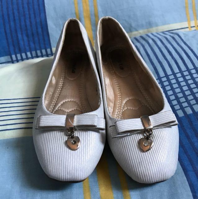 Gibi white formal shoes