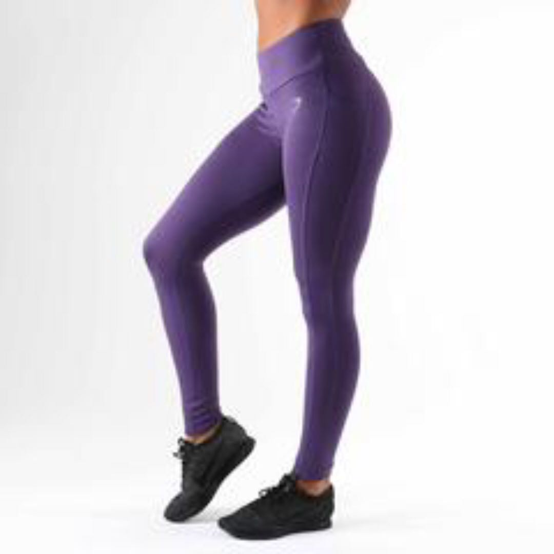 68d5fe3146119 Gymshark Dry Sculpture Leggings Rich Purple, Sports, Sports Apparel on  Carousell