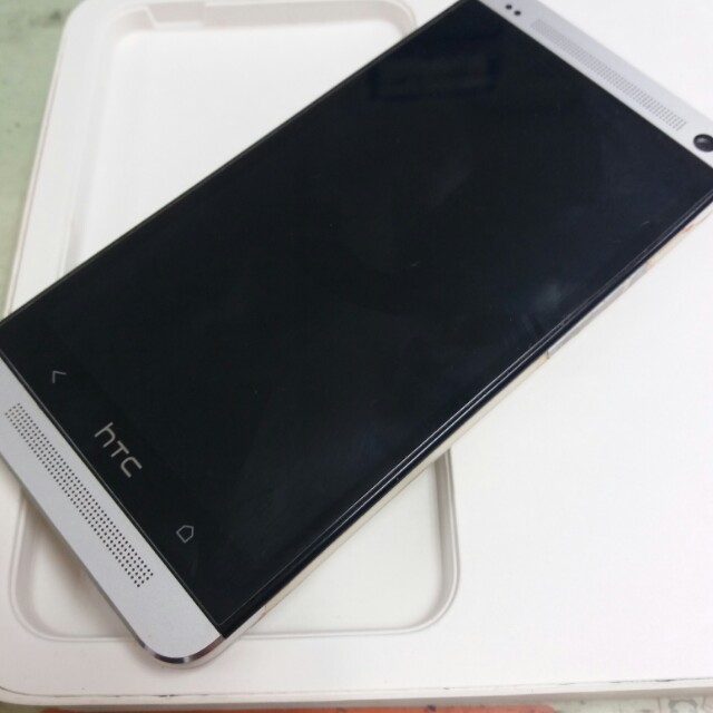 HTC New One  64G 銀